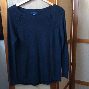 AMERICAN EAGLE OUTFITTERS BLACK SWEATER SIZE M